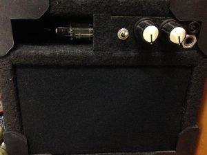 Amplificador caseiro valvulado híbrido de baixa tensão