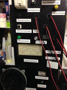 Painel caseiro de instrumentos para a bancada de eletrônica